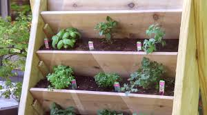 [DIY] How to Build a Vertical Herb Planter - Home & Garden Decor