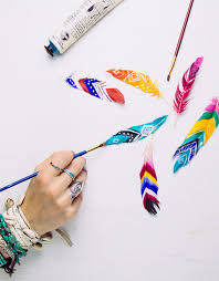 cool diy ideas for fun and easy crafts diy painted feathers awesome diys