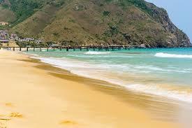 Foto de Louro De Coquy Nhon Do Ky Vietnama Vista Da Praia No Amanhecer Com  Rochas Gosta Do Ovo Vietnam e mais fotos de stock de Areia - iStock