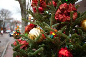 Hundreds Gather To Watch Christmas Tree For Boston SendoffChristmas Craft Show Boston