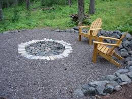 simple and easy diy outdoor firepit design with brick and stone plus wood pallet chairs ideas