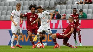 Borussia m'gladbach played against bayern münchen in 2 matches this season. Wer Zeigt Ubertragt Borussia Monchengladbach Vs Fc Bayern Munchen Live Der Bundesliga Start Heute Im Tv Und Live Stream Goal Com