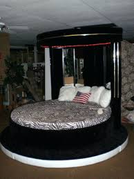 round king bed dimensions america