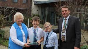 Sonia, Bradley and Connor win Community Stars Awards | St Barnabas House |  Hospice Charity