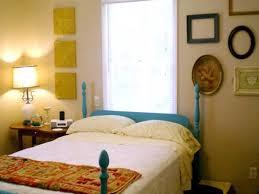 Idee Dipingere Mansarda : Idee come pitturare una camera da letto per verniciare