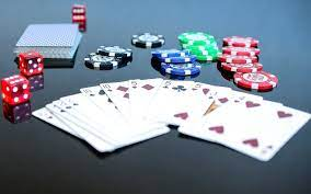 Online Gambling Addiction - Carrier Clinic