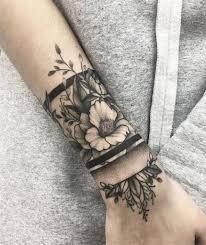 25 Tattoo Am Unterarm Für Frauen Vorlagen Und Bedeutung 2019