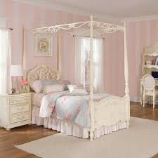 Lovely Adorable Kids Canopy Beds With Thick Blanket And Pillow White Color