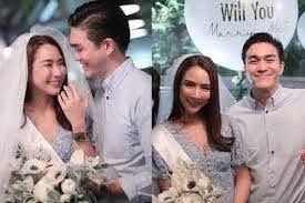 แฟนหนุ่ม 'จั๊กจั่น' ทายาทบริษัทอสังหาฯ  คุกเข่าขอแต่งงานเซอร์ไพรส์กลางงานวันเกิดเล่นเอาต่อมน้ำตาแตก