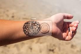 Fototapeta Ruka S Tetováním Tetování Mandala Henna Mehendi
