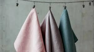 Как разместить <b>полотенца</b> в ванной и на кухне: 37 стильных идей