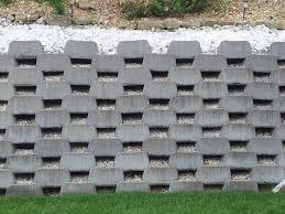 advantages of retaining walls