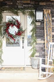 how to make a front doorHow To Make A Garland Frame Your Front Door  The Wood Grain Cottage