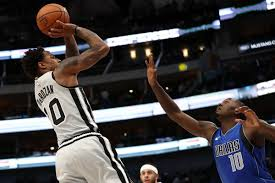 Dallas Mavericks Depth Chart Demar Re Was The Bright Spot S In The Spurs Loss To The
