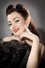 beautiful 1940s makeup look