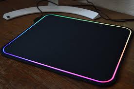 <b>SteelSeries QcK Prism</b> – это вам не просто ковер для мышки ...