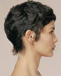 شخصية المرأة في شكل تسريحة شعرها تسريحات الشعر القصيرة