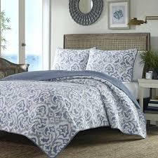 damask quilt blue full queen damask quilt set white gray fl motif damask bedding set uk como damask quilt set