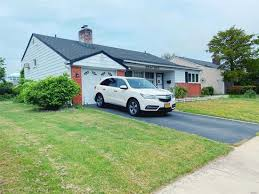3751 dianne st bethpage ny 11714 zillow