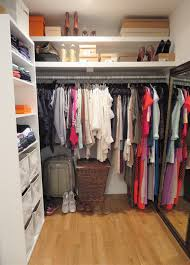 Simple Wardrobe Designs For Small Bedroom Simple Walk In Closet Design Ideas Closet Storage Organization