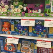 1800 toysrus toys r us 16 photos 22 reviews toy stores 1800 jantzen beach