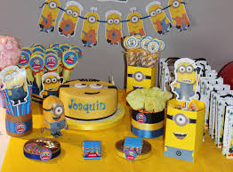 Minions Party Minions Candy Bar By Violeta Glace Candy Bar Party Pinterest
