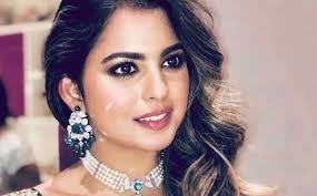 isha ambani s go to make up artist vardan nayak gave us some brilliant insights about all her looks from akash ambani shloka mehta s enement