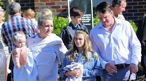 Jamie Lynn Spears Out With Husband ...