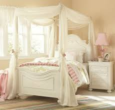Little Girls White Bedroom Furniture 19 Fabulous Canopy Bed Designs For Your Little Princess Canopy