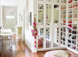 huge walk in closets design. Furniture : Amazing White Huge Walk In Closet Design For Women Closets E