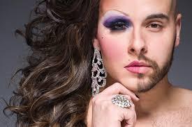 Risultati immagini per riunioni sulla moda transessuale in italia