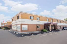 super 8 by wyndham williamsville buffalo in buffalo hotel rates reviews on orbitz