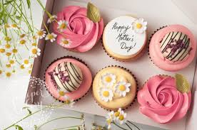 Mothers Day Cupcakes And Macarons In Hull