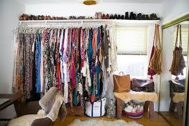 same direction clothes arrangement