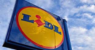lidl is about to have a huge baby and toddler event with s on tommee tip and fisher mirror