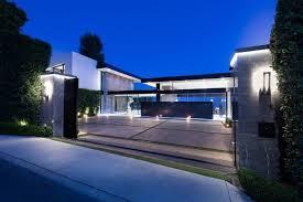 Ultra modern home Minimalist Stradellaultramodernmasterpiecehomehollywoodhillsdesignedpaul Caandesign Stradella Ultramodern Masterpiece Home On The Hollywood Hills