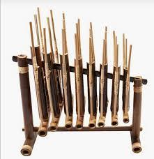 Beberapa nama alat musik tradisional sumatera barat tersebut antara lain sebagai berikut; 20 Alat Musik Tradisional Indonesia Beserta Daerah Asalnya