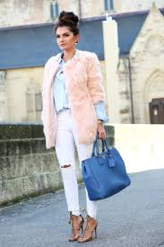 outfit faux fur coat pastel colors look spring