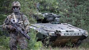 Approximately 160,000 including about 40,000 conscripts (plus about 130,000 reserves). German Army Declares System Panzergrenadier Fit To Fight Militaryleak