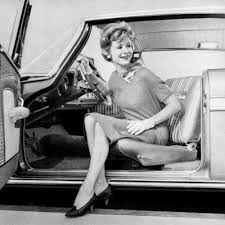 Cars Used to Have Swiveling Front Seats to Make Them Easier to ...