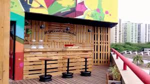 Bar Made Out Of Pallets Bar Made Out Of Pallets Diy Youtube