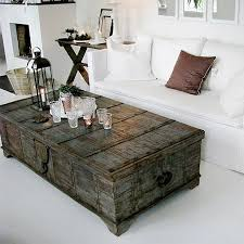 Vintage trunk coffee table Repurposed Old Trunk Coffee Table Pinterest Old Trunk Coffee Table Design Decor Living Room Table Home