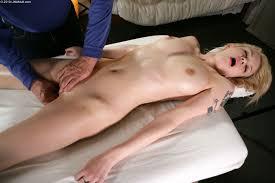 Horny Bree Daniels enjoys a deep Pussy Massage 1 of 2