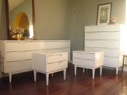 how to paint lacquered furniture. Glossy White Dresser Set ~ How To Paint Lacquered Furniture