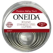 Oneida® <b>Stainless Steel Round</b> Cutters (Set of 8) | Bed Bath & Beyond