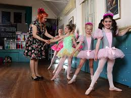 Ashgrove Dance Studio ballet sisters lift the barre | The Courier Mail