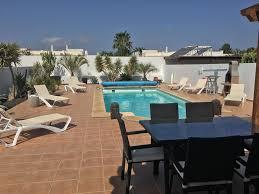 Luxus 3 Schlafzimmer Villa Mit Beheiztem Pool Und Herrlichem Bergblick Gratis Wifi Playa Blanca