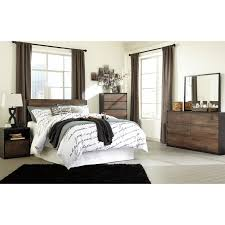 Signature Design by Ashley Windlore Queen Bedroom Group - Item Number: B320 Q  Bedroom Group