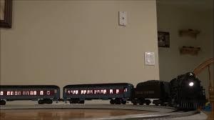 Crie um caminho seguro para que o trem atravesse a cidade, recolha os passageiros e não saia dos trilhos. Revisao Lionel Polar Express O Gauge Set W Lionchief Remote Railsounds 30218 Rc Cars Review Videos Comparacao De Precos