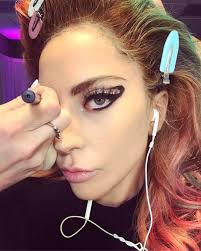 lady a s makeup artist sarah tanno painted on rounded cat eye makeup for her during the joanne world tour concert insram lady a